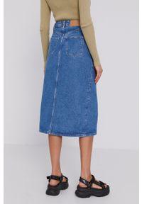 Samsoe & Samsoe - Samsoe Samsoe - Spódnica jeansowa. Okazja: na co dzień. Stan: podwyższony. Kolor: niebieski. Materiał: jeans. Styl: casual