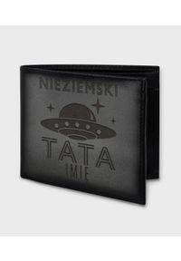 MegaKoszulki - Portfel skórzany Nieziemski tata (+ IMIĘ). Materiał: skóra