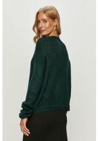 Zielony sweter Jacqueline de Yong casualowy, z okrągłym kołnierzem, na co dzień, z długim rękawem