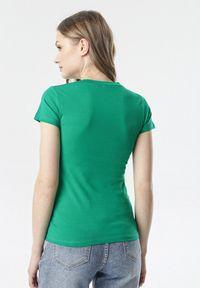 Born2be - Zielony T-shirt Aegameda. Kolor: zielony. Materiał: dzianina. Długość rękawa: krótki rękaw. Długość: krótkie