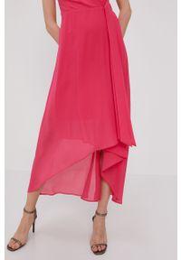 Różowa sukienka Morgan rozkloszowana, na ramiączkach, gładkie