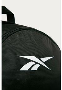 Czarny plecak Reebok z nadrukiem