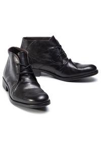 Czarne buty wizytowe Fly London z cholewką, eleganckie