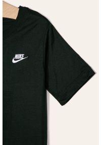 Czarny t-shirt Nike Kids casualowy, na co dzień