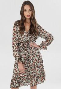 Born2be - Miętowa Sukienka Vilinith. Kolor: miętowy. Długość rękawa: długi rękaw. Typ sukienki: kopertowe, sportowe, rozkloszowane. Styl: sportowy