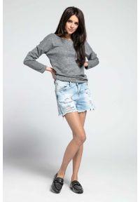 Nommo - Ciemnoszary Cienki Oversizowy Sweter z Dużym Dekoltem. Kolor: szary. Materiał: poliester, wiskoza, poliamid