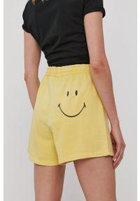 only - Only - Szorty. Okazja: na co dzień. Kolor: żółty. Materiał: dzianina, bawełna. Wzór: gładki. Styl: casual