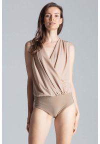 Figl - Beżowe Eleganckie Kopertowe Body bez Rękawów. Kolor: beżowy. Materiał: elastan, wiskoza, poliester. Długość rękawa: bez rękawów. Styl: elegancki