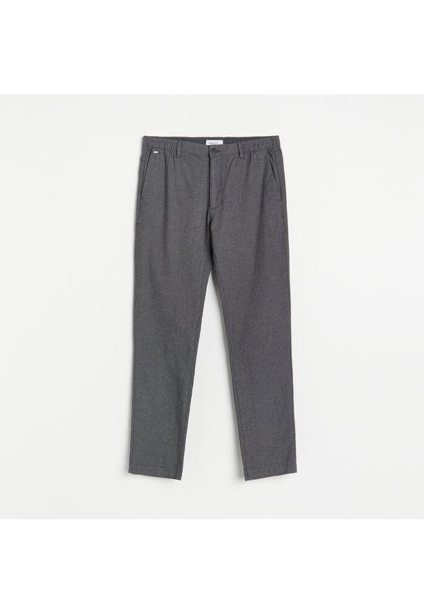 Reserved - Tkaninowe spodnie slim - Szary. Kolor: szary. Materiał: tkanina