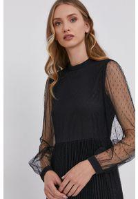 TwinSet - Twinset - Sukienka. Kolor: czarny. Długość rękawa: długi rękaw. Typ sukienki: plisowane, rozkloszowane