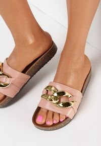 Born2be - Różowe Klapki Nixishia. Nosek buta: okrągły. Kolor: różowy. Materiał: guma. Styl: klasyczny