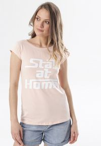 Różowy t-shirt Born2be
