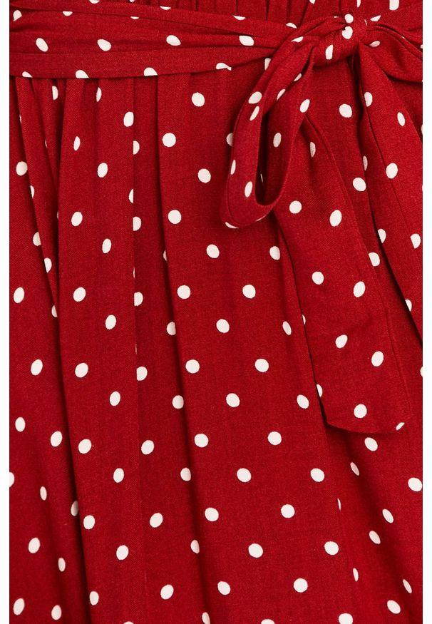Czerwona sukienka Answear Lab maxi, w grochy, prosta, na co dzień