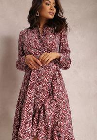Renee - Bordowa Sukienka Aurarial. Kolor: czerwony. Materiał: dzianina. Długość rękawa: długi rękaw. Wzór: kwiaty. Typ sukienki: kopertowe. Długość: mini