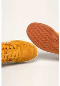 Pomarańczowe sneakersy Fila z okrągłym noskiem, na sznurówki, z cholewką
