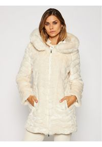 Białe futro DKNY