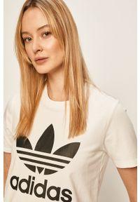 Biała bluzka adidas Originals na co dzień, z nadrukiem