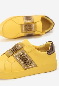 Żółte buty sportowe Born2be