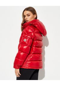 MONCLER - Czerwona kurtka Maire. Kolor: czerwony. Materiał: puch. Wzór: aplikacja
