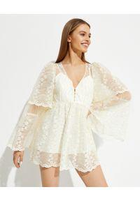 ALICE MCCALL - Beżowa sukienka mini Moonstruck. Kolor: beżowy. Materiał: koronka, materiał. Wzór: aplikacja, koronka. Typ sukienki: rozkloszowane. Długość: mini