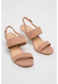 Sandały Glamorous na klamry