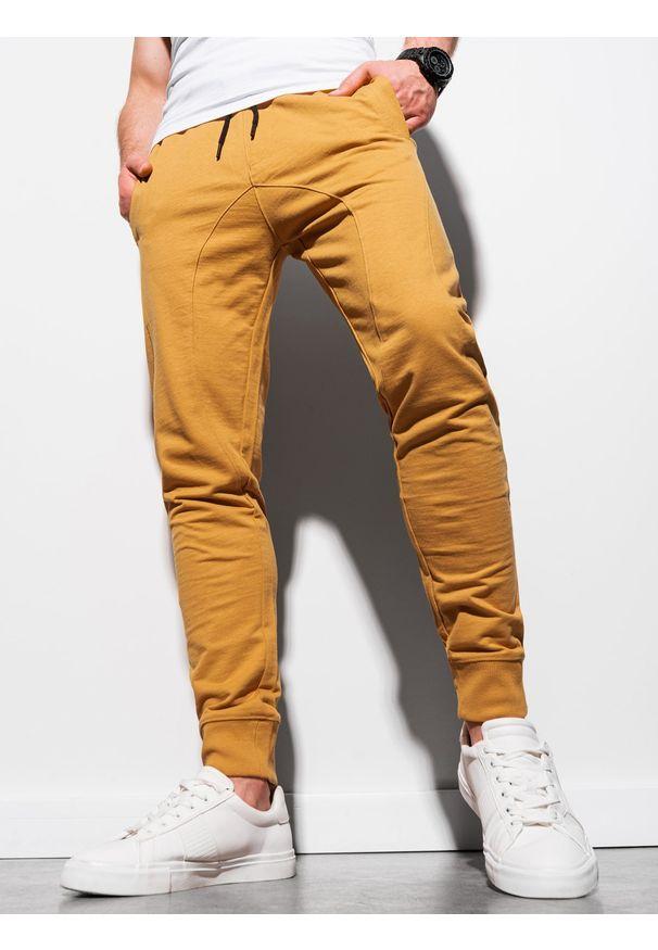 Ombre Clothing - Spodnie męskie dresowe joggery P952 - musztardowe - XXL. Kolor: żółty. Materiał: dresówka