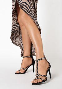 Czarne sandały Born2be