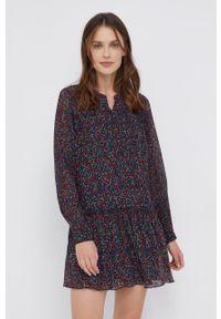 Pepe Jeans - Sukienka Cecile. Materiał: tkanina. Długość rękawa: długi rękaw. Typ sukienki: plisowane, rozkloszowane
