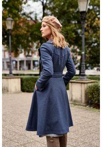 Marie Zélie - Płaszcz wełniany Achillea niebieski. Kolor: niebieski. Materiał: wełna. Wzór: motyw zwierzęcy, ze splotem. Sezon: zima #5
