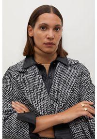 Czarny płaszcz mango klasyczny, bez kaptura