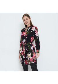 Mohito - Koszula w kwiaty Eco Aware - Czarny. Kolor: czarny. Wzór: kwiaty