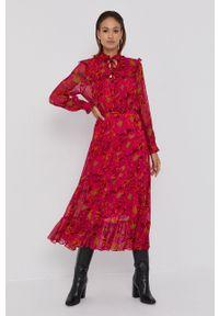 Beatrice B - Sukienka. Kolor: różowy. Materiał: tkanina. Typ sukienki: rozkloszowane