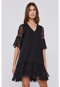 Czarna sukienka Nissa rozkloszowana, gładkie, mini, z krótkim rękawem