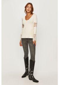 Biała bluzka Desigual z długim rękawem, długa, na co dzień