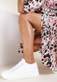 Renee - Białe Trampki Kimonos. Kolor: biały. Materiał: materiał