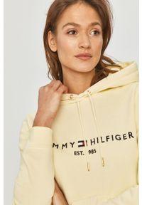 TOMMY HILFIGER - Tommy Hilfiger - Bluza. Kolor: żółty. Materiał: dzianina. Wzór: aplikacja