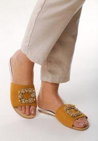 Żółte klapki Born2be glamour