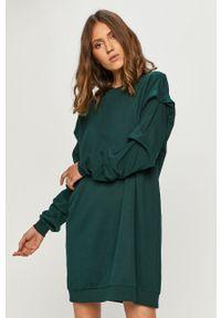 Zielona sukienka Noisy may na co dzień, oversize