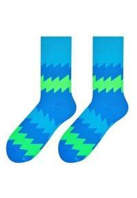 More - Niebieskie skarpety męskie - zigzag SK185. Kolor: niebieski. Materiał: bawełna, poliamid, elastan