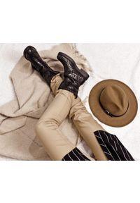 Czarne botki Zapato z motywem zwierzęcym, wąskie