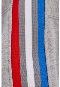 Szara bluza adidas Originals z kapturem, z aplikacjami