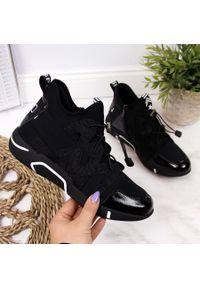 Półbuty za kostkę sneakersy damskie czarne Vinceza. Wysokość cholewki: za kostkę. Kolor: czarny. Materiał: skóra ekologiczna. Szerokość cholewki: normalna