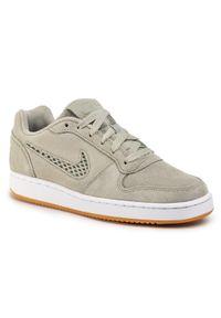 Szare buty sportowe Nike z cholewką