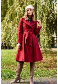 Marie Zélie - Płaszcz wełniany Achillea ciemnoczerwony. Kolor: czerwony. Materiał: wełna. Wzór: ze splotem