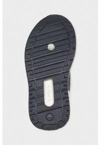 Czarne buty sportowe Mayoral z cholewką, z okrągłym noskiem, na rzepy