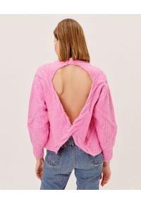 For Love & Lemons - FOR LOVE & LEMONS - Różowy sweter z wycięciem na plecach Carly. Okazja: na co dzień. Kolor: różowy, fioletowy, wielokolorowy. Materiał: jeans, dzianina. Długość rękawa: długi rękaw. Długość: długie. Wzór: ze splotem. Styl: casual