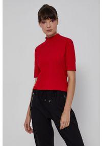 medicine - Medicine - T-shirt Basic. Okazja: na co dzień. Typ kołnierza: golf. Kolor: czerwony. Materiał: bawełna, dzianina. Styl: casual