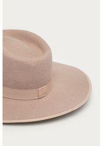 Różowy kapelusz Billabong gładki
