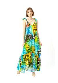 COSEL - Wzorzysta sukienka Nevis. Kolor: niebieski. Materiał: materiał. Wzór: motyw zwierzęcy, nadruk. Typ sukienki: proste, rozkloszowane. Styl: wakacyjny. Długość: maxi