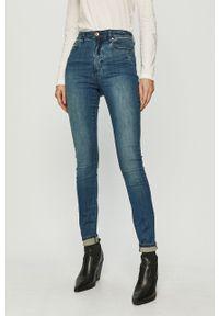 Niebieskie jeansy Armani Exchange z podwyższonym stanem